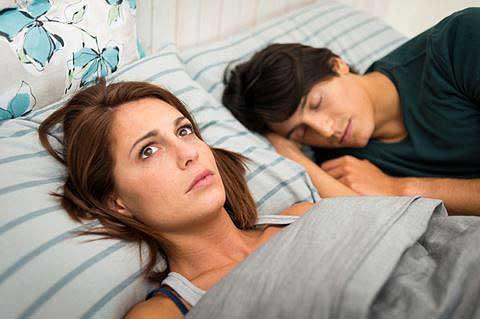 Suy giảm sinh lý nữ giảm ham muốn là dấu hiệu tiền mãn kinh