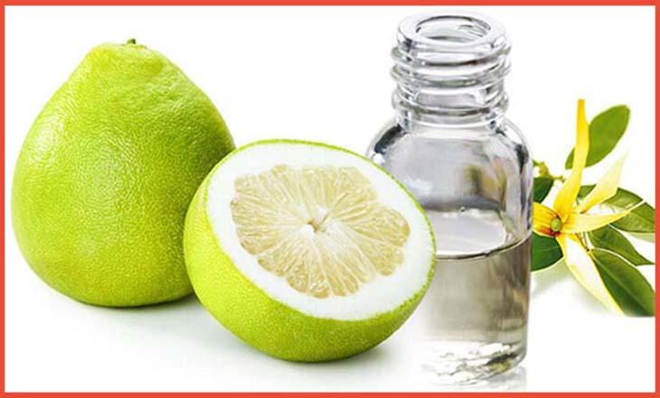 Tinh dầu bưởi là phương pháp hữu hiệu mà chị em thường sử dụng dể giảm rụng tóc